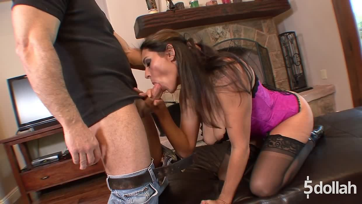 Raven Haired Milf Raylene Gives Herself And Her Pussy In