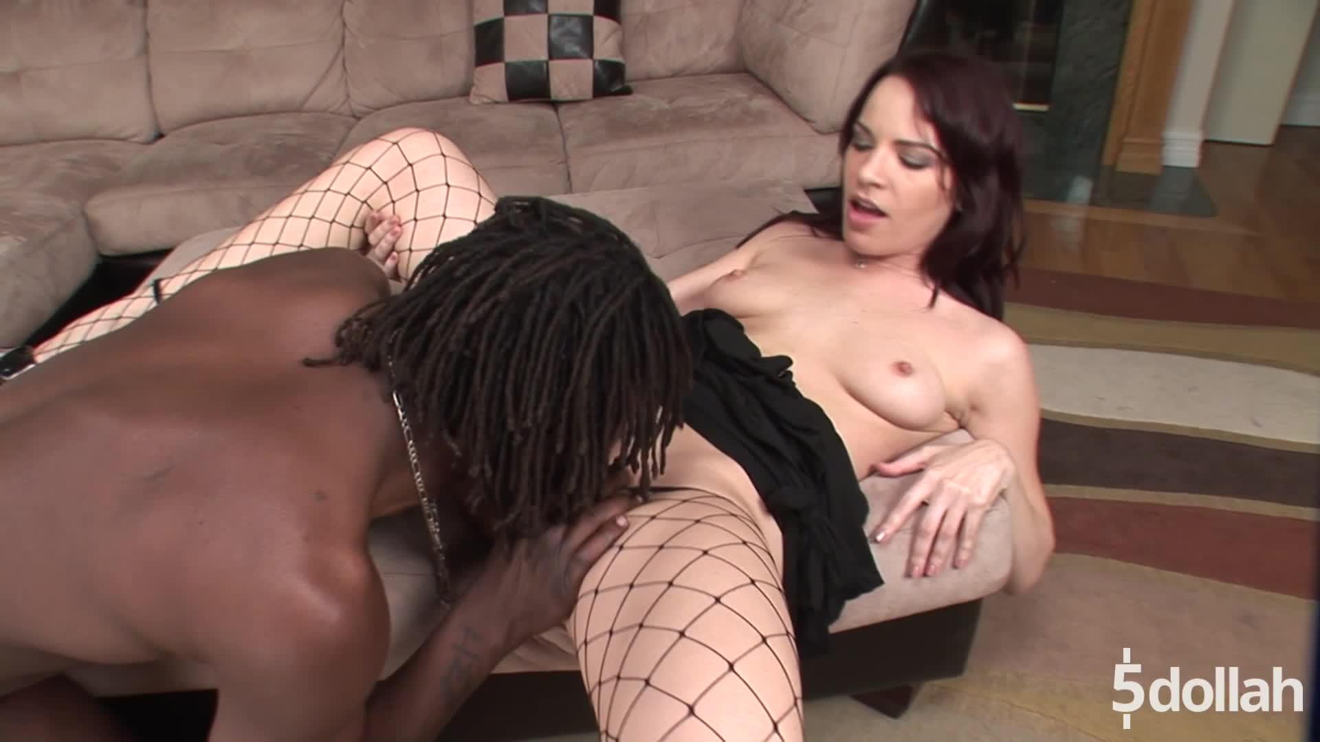 Black Cock Loving Milf Britney Stevens Ass Rides A Huge One